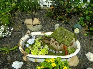 bathtub-re-use-in-garden