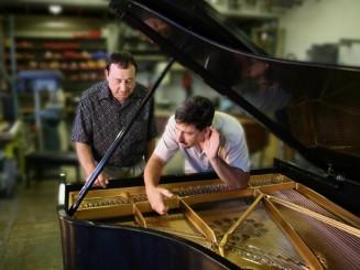 Tunning-a-Piano