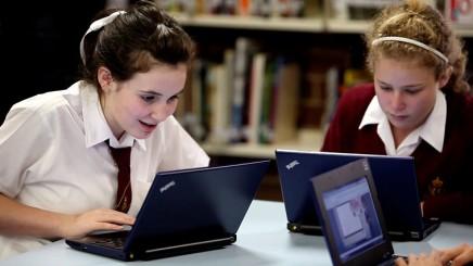 laptops-in-schools
