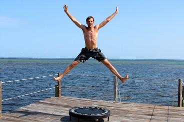 trampoline-excercises-man