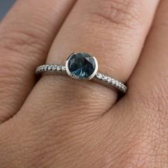 bezel-setting-ring