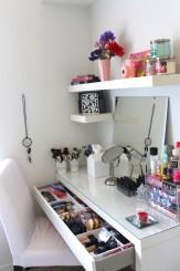 DIY-dressing-table-idea
