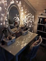 DIY-dressing-table-lighting