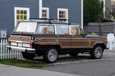 compact-4-door-SUV-jeep-1980.j