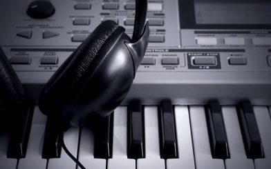 music keyboard headphones