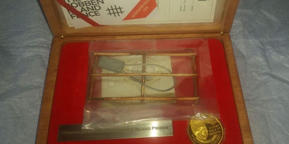 2013 Nelson Mandela World Heritage Robben Island Fence Medallion | Junk Mail