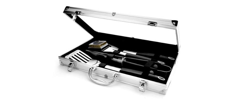Buy braai utensils for the braai master this Christmas | Junk Mail